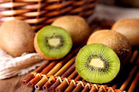 猕猴桃这种水果不愧是水果之王,功效这么多