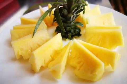 菠萝要用盐水泡多久