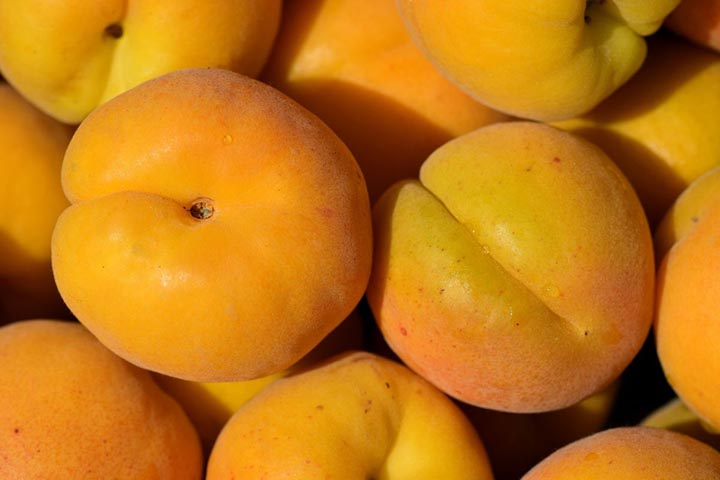 多吃这些水果比敷面膜有用